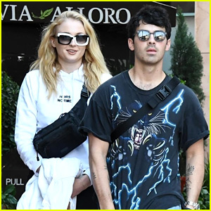 Sophie Turner & Joe Jonas Love This Vintage Car!