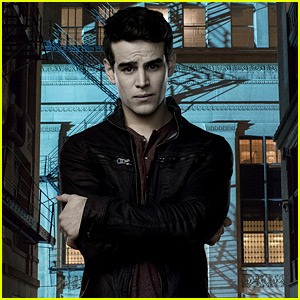 Alberto Rosende Wraps Shooting on 'Shadowhunters' Season 3