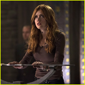Clary Accepts Her Fate & Turns Herself In on 'Shadowhunters' Tonight - Sneak Peek!