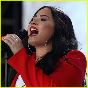 Demi Lovato Reveals That She Fractured Her Foot in Bali