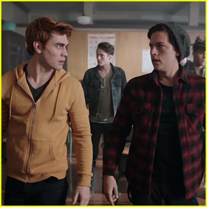 Archie & Jughead Try to Keep The Peace between Bulldogs & Serpents on Tonight's 'Riverdale'
