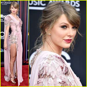 Taylor Swift Makes Surprise Appearance at Billboard Music Awards 2018!