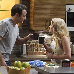 'Young & Hungry's Final Season Kicks Off With Hour-Long Premiere!