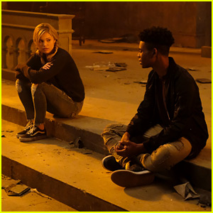 Tandy & Tyrone Have 'One of the Longest Conversations In History of Television' Tonight on 'Cloak & Dagger'