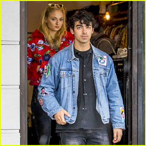 Joe Jonas & Sophie Turner Look Chic for Bondi Brunch Outing