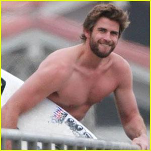 Liam Hemsworth Looks So Hot in New Beach Photos!