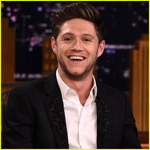 Niall Horan Celebrates 1 Billion Streams on Spotify!
