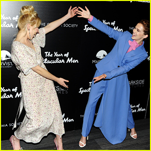 Zoey & Madelyn Deutch Make 'The Year of Spectacular Men' Premiere in NYC a Family Affair!