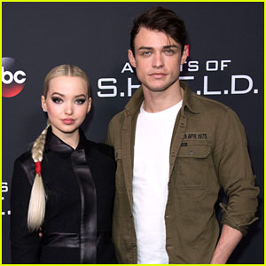 Thomas Doherty Proves His Love to Dove Cameron in One Text Message