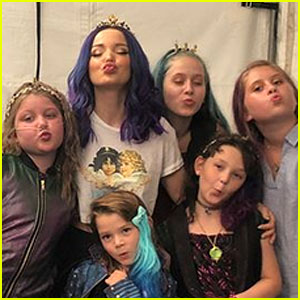 Dove Cameron Visits With Young Fans on 'Descendants 3' Set Through Make-A-Wish