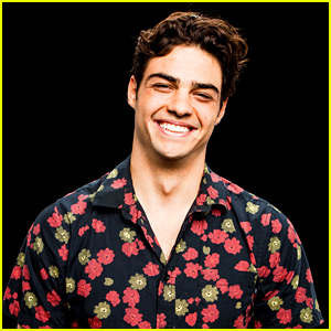 Noah Centineo Dishes On Filming 'To All The Boys I've Loved Before's Iconic Kiss Between Peter & Lara Jean