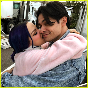 Thomas Doherty Showed Up On 'Descendants 3' Set On His Day Off To Be With Dove Cameron