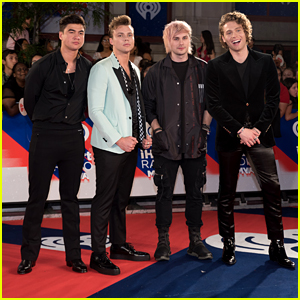 5 Seconds Of Summer Turn Into Skeletons For 'Valentine' Music Video
