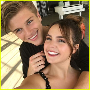 Bailee Madison & Alex Lange Unplug During Hawaiian Vacation!