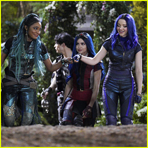 'Descendants 3' Just Released A Ton of New Behind The Scenes Pics!