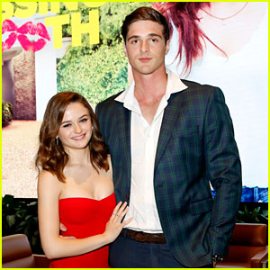 Jacob Elordi Adorably Promotes Girlfriend Joey King's 'Slender Man'