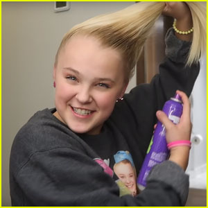JoJo Siwa Shows How to Get Her Perfect Side Ponytail - Watch Now!