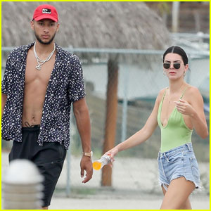 Kendall Jenner & Boyfriend Ben Simmons Take a Boat Ride in Mexico!