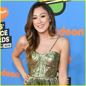 LaurDIY Celebrates Her 25th Birthday & Two-Year Anniversary of Moving to LA!