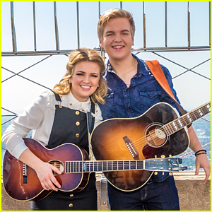 Maddie Poppe Gushes Over Boyfriend Caleb Lee Hutchinson: 'He Looks At Me In A Way I Never Dreamed'