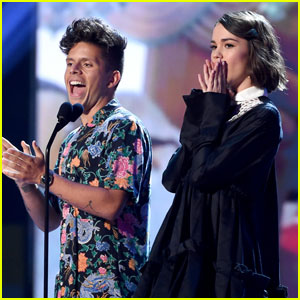 Maia Mitchell & Rudy Mancuso Take the Stage at Teen Choice Awards 2018!