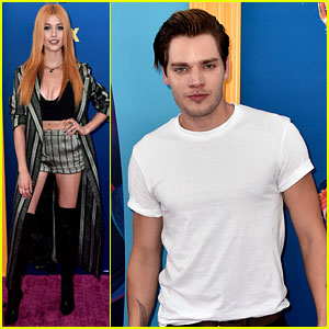 Katherine McNamara, Dominic Sherwood, & 'Shadowhunters' Cast Attend Teen Choice Awards 2018!