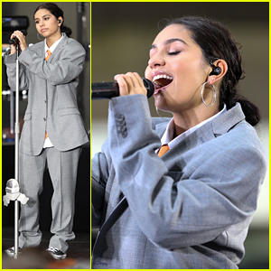 Alessia Cara Dishes On Why She Chose To Write Her New Album On Her Own