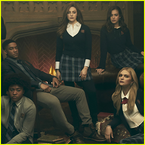 Entire 'Legacies' Cast To Make Debut at New York Comic Con 2018