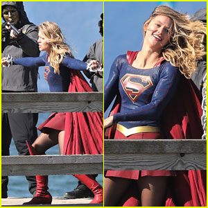 Melissa Benoist Gets Caught In Chains While Filming 'Supergirl' Scenes