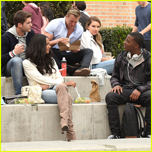 Daniel Ezra, Cody Christian & Samantha Logan's New Show 'All American' Premieres Tonight!