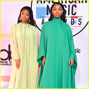 Chloe x Halle Wow in Matching Valentino Gowns at AMAs 2018