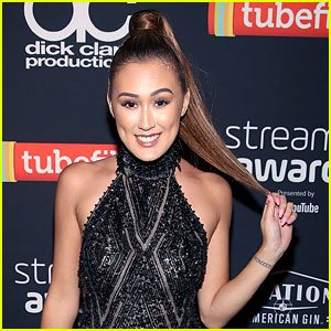 Ariana Grande Halloween Costume 2019.Laurdiy Transforms Into Ariana Grande S Dangerous Woman At