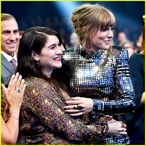 Taylor Swift Brings Friend Claire Winter to AMAs 2018!