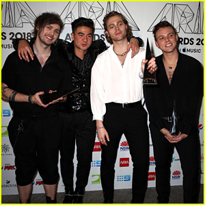 5 Seconds of Summer Pick Up Three Awards at ARIAs 2018