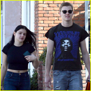 Ariel Winter Flashes Her Midriff in a Crop Top While Out With Levi Meaden