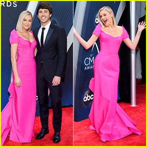 Kelsea Ballerini Wows in Bright Pink Gown at CMA Awards 2018