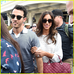 Kevin & Danielle Jonas Arrive to Attend Nick Jonas & Priyanka Chopra's Wedding in India!