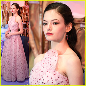 Mackenzie Foy Looks Lovely in Pink at 'Nutcracker & The Four Realms' Premiere in London