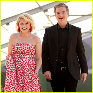 American Idol's Maddie Poppe Wins at PCAs 2018, Caleb Lee Hutchinson Shows Support!