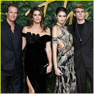Nominee Kaia Gerber Gets Family's Support at The Fashion Awards 2018!
