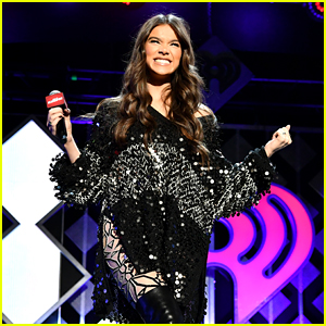 Hailee Steinfeld Is So Excited That December is Here!