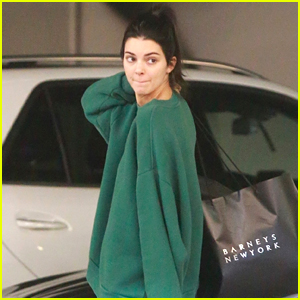 Kendall Jenner Finishes Her Holiday Shopping on Christmas Eve