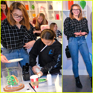 Paris Berelc Gets Into The Holiday Spirit at Netflix's Nailed It! Holiday Event