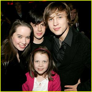 Georgie Henley Reunites With 'Narnia' Siblings William Moseley, Skandar Keynes & Anna Popplewell - See The Pic!