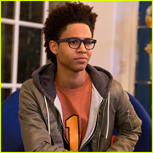 Rhenzy Feliz Reveals Alex Will Be Separated From The Group in 'Runaways' Season 2