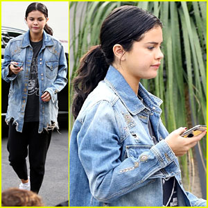 Selena Gomez Keeps It Comfy While Checking Out a Wedding Venue