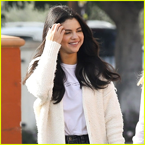 Selena Gomez Gets Lunch With Friends in Los Angeles!
