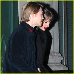 Taylor Swift & BF Joe Alwyn Grab Dinner Before Celebrating the New Year!