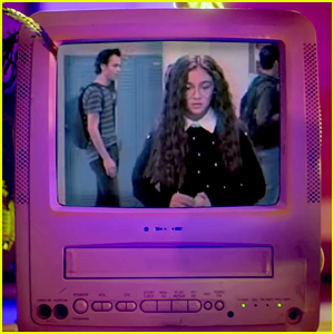 Anna Cathcart Shares First Look at New Show 'Zoe Valentine'