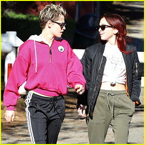Kristen Stewart & Rumored New GF Sara Dinkin Chat It Up on a Hike